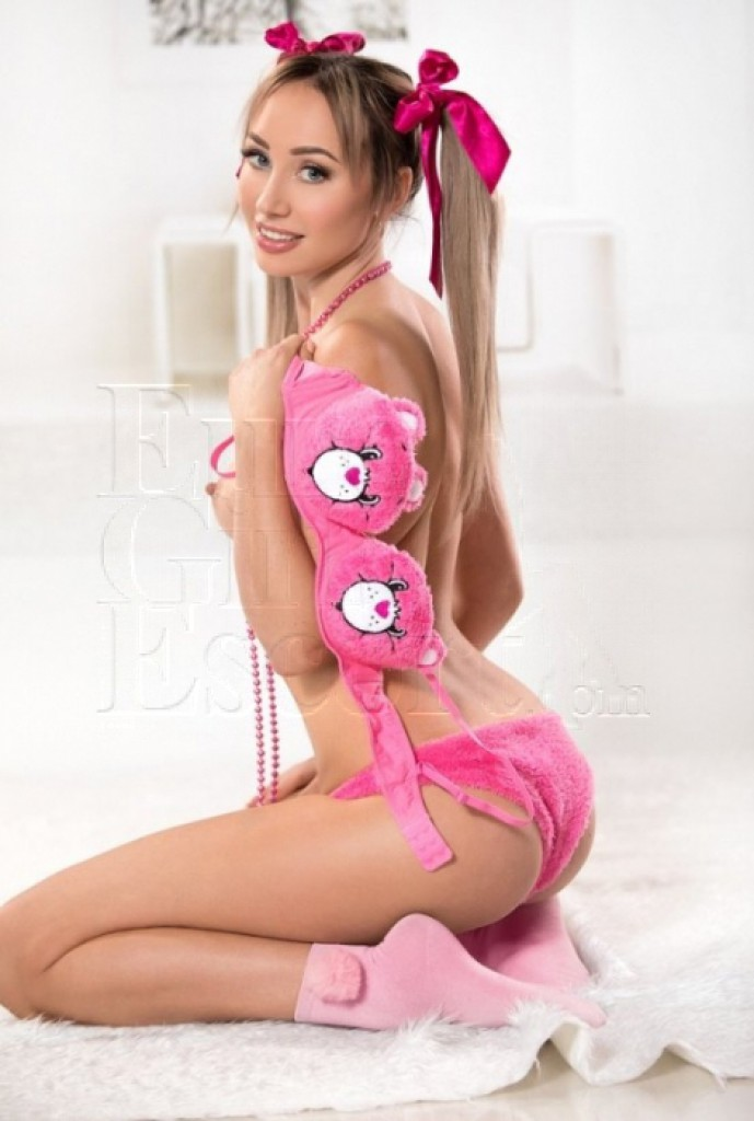 Viktoria GDE - top escort in Athens
